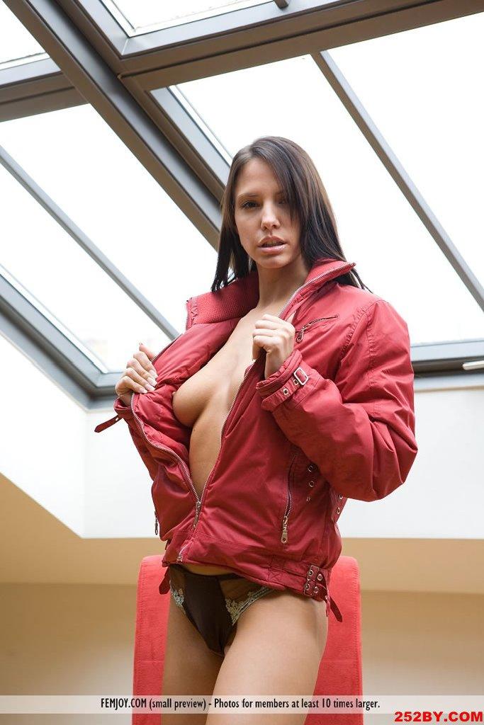 男友的夹克吧 穿着不合适呦