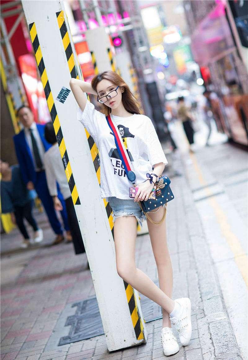 清纯萝莉夏日短裤装写真图片